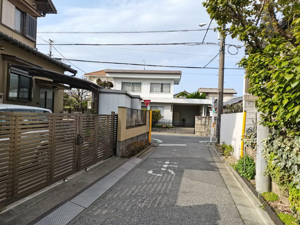 ヒロ整体院への道案内(左折)